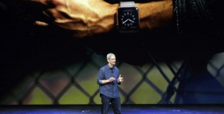 tim-cook-apple-watch-11