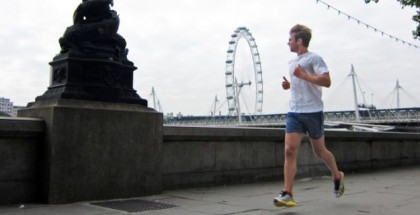 man-running-along-thames-river-london_h