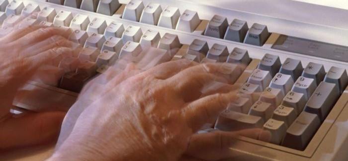 Evde Parkinson Teşhisi İçin Klavyenizi Kullanmayı Denediniz Mi?