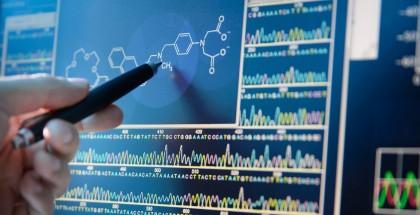 istock_56013860_molecule_computer_2500