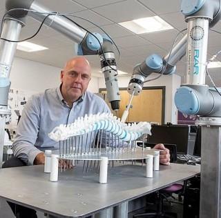 Robot Teknolojisi ile Omurga Cerrahisi Yeniden Şekillenecek